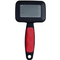 Trixie Щетка-пуходерка мягкая 13,5 х 10 см с пластиковой ручкой + расческа , арт. 23462