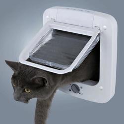 Trixie Дверца для кошки, 23х26,5 см, белая, арт. 3850